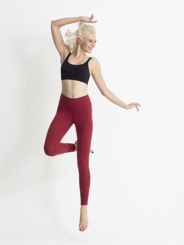 4間瑜伽服品牌推薦 包覆性強+高彈力透氣 必選Lululemon、Pure Apparel