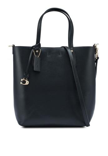 - 淨色側孭袋連金色細節 - 皮革 - 磁石設計 - 1個主間隔 - 拉鍊內袋 - 可拆出及可調較肩帶 - 尺寸: L27cm x H24.7cm x W8.2cm