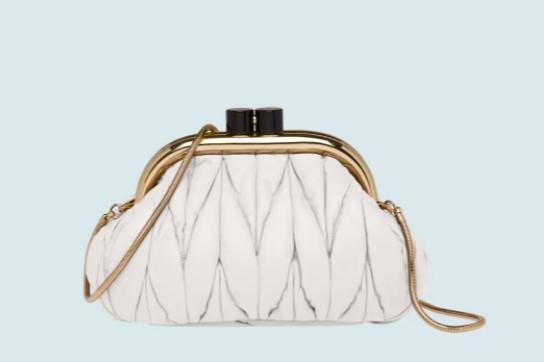 MIU BELLE 納帕軟皮手提包 ,500  (圖片來源:MIU MIU)