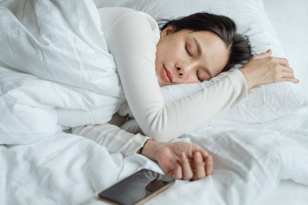 睡著時溫度太高會燙傷皮膚。(圖片來源:pexels.com)