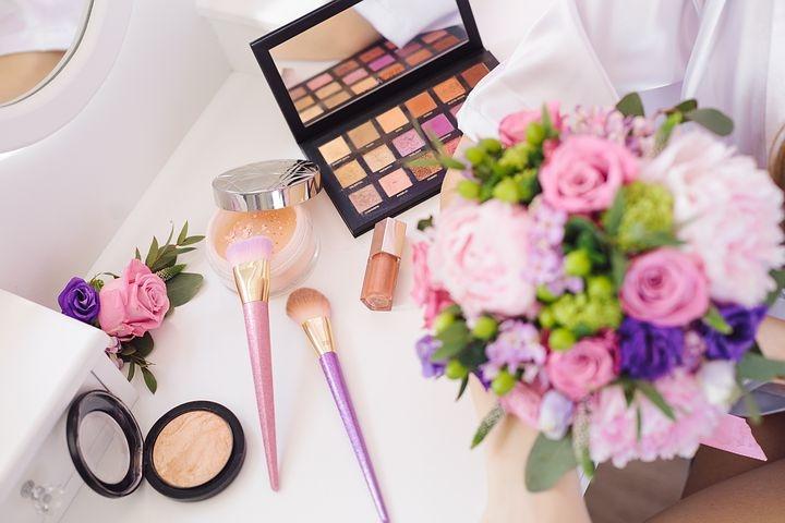 姊妹團連化妝都沒有選擇權。圖片來源:Pixabay