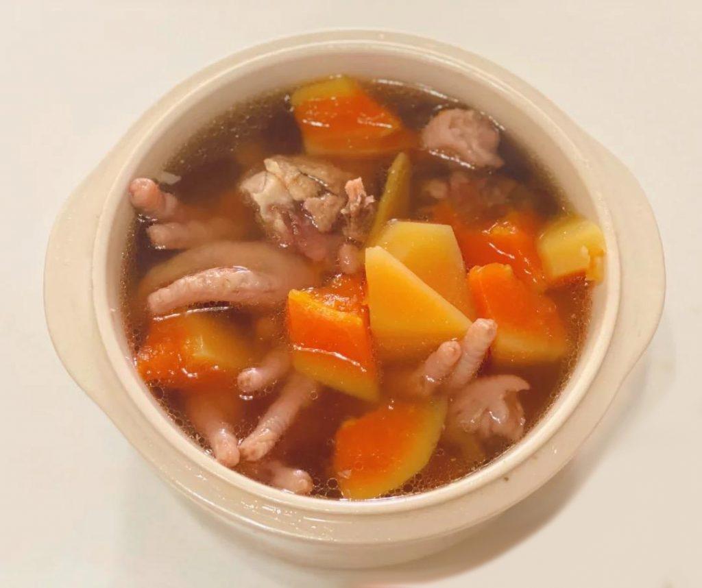 木瓜煲雞腳豬骨木耳(圖片來源:飯飯的碎碎念@RED)