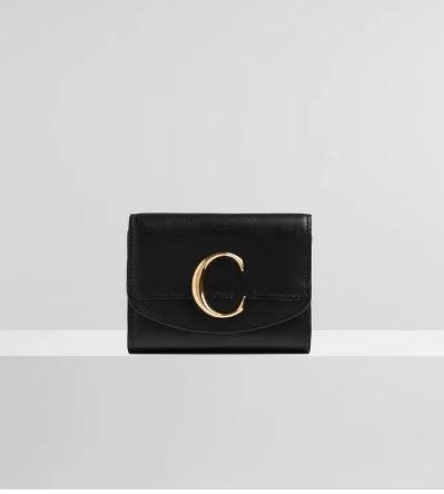黑色名牌銀包推薦15. CHLOÉ C SMALL TRI-FOLD HK$ 3,600 圖片來源:Chloe官網