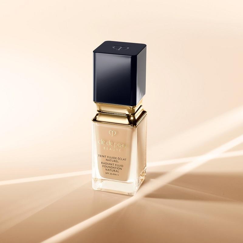 擔心化妝會加重肌膚負擔?即刻試用Clé de Peau Beauté全新的鑽光透薄修護粉底液 SPF25 PA++啦!(HK<img class=