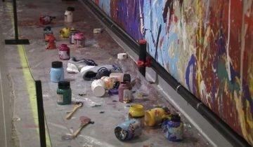 誤以為展覽作品可隨便塗鴉 情侶幾筆毀5億韓圜名畫