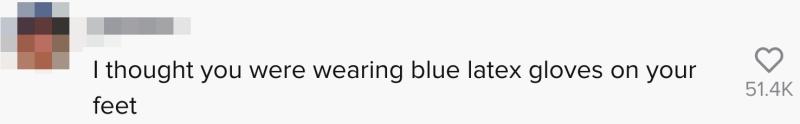 我以為你的雙腳穿上了藍色乳膠手套(圖片來源:kinsey_dixon@tiktok截圖)